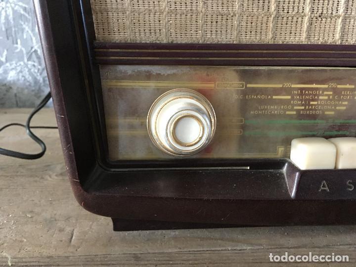Radios de válvulas: Radio Askar Baquelita. Funcionando a 125 Voltios (Usando transformador) - Foto 5 - 192174440