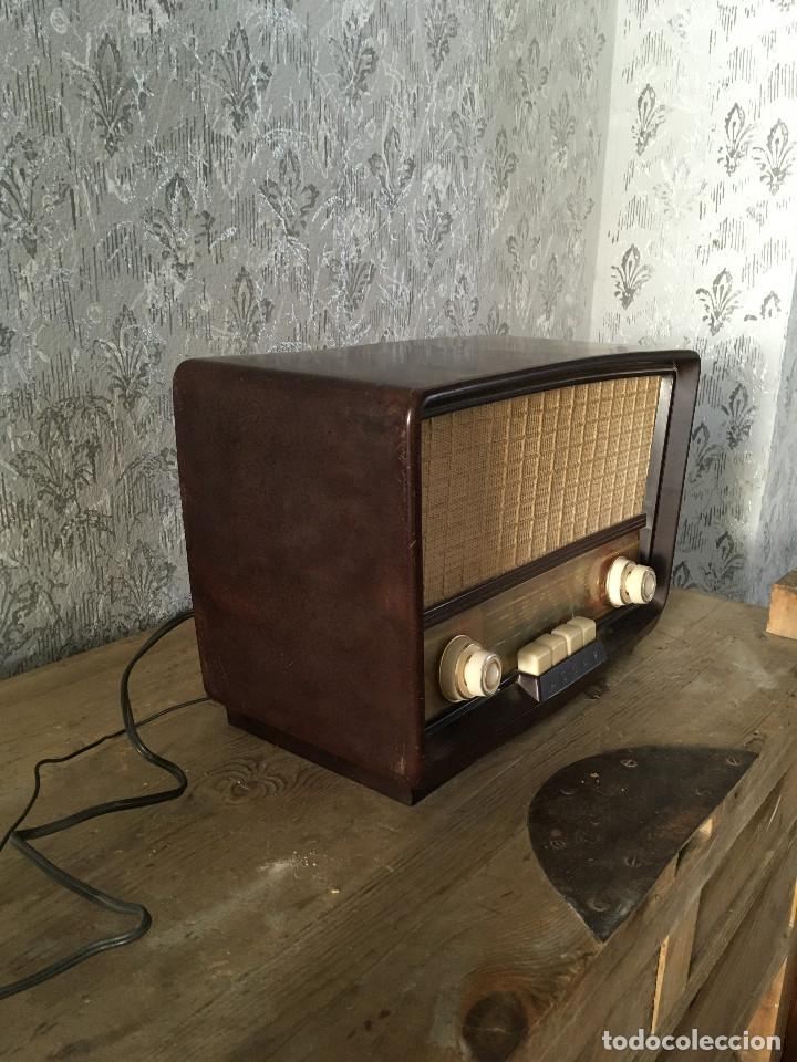 Radios de válvulas: Radio Askar Baquelita. Funcionando a 125 Voltios (Usando transformador) - Foto 6 - 192174440