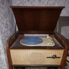 Radios de válvulas: TOCADISCOS SNR CONSTELLATION 56. FRANCIA 1956.ALGUNAS EMISORAS. Lote 192495291