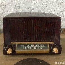 Radios de válvulas: PRECIOSA RADIO GENERAL ELECTRIC MODELO 404. FUNCIONA 125V. Lote 192498222