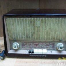 Radios de válvulas: RADIO DE VALVULAS EN BAKELITA DE LA MARCA PHILIPS MODELO TIPO B3E91U. Lote 192600120