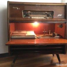 Radios de válvulas: RADIO/TOCADISCOS TELEFUNKEN OPERA STEREO FM. Lote 192729671