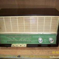 Radios de válvulas: ANTIGUA RADIO PHILIPS-MODELO B3E 15 A-FUNCIONA. Lote 192752301
