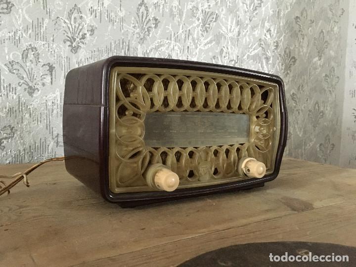 RADIO RADIOLA RA11-U. ENCIENDE A 125V. (Radios, Gramófonos, Grabadoras y Otros - Radios de Válvulas)
