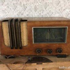 Radios de válvulas: RADIO MADERA SIN MARCA. ENCIENDE 220V.. Lote 192969373
