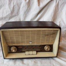 Radios de válvulas: RADIO INVICTA MOD.5365. 1962. Lote 193993285
