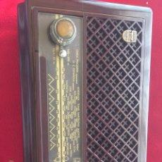 Radios à lampes: RADIÓ PHILIPS BAQUELITA. Lote 194011150