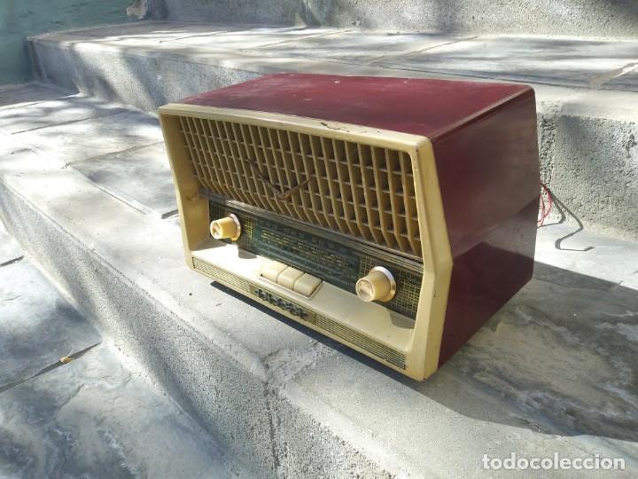 Radios de válvulas: Antigua radio INTER TEXAS modelo P. 239 madera válvulas - Foto 3 - 194099091