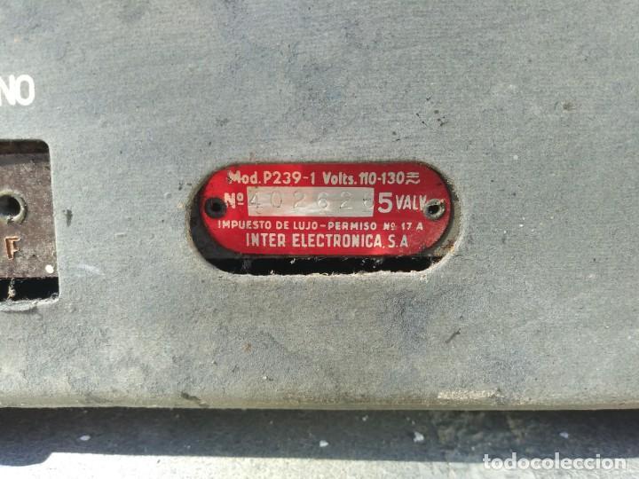 Radios de válvulas: Antigua radio INTER TEXAS modelo P. 239 madera válvulas - Foto 7 - 194099091