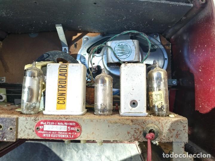 Radios de válvulas: Antigua radio INTER TEXAS modelo P. 239 madera válvulas - Foto 11 - 194099091
