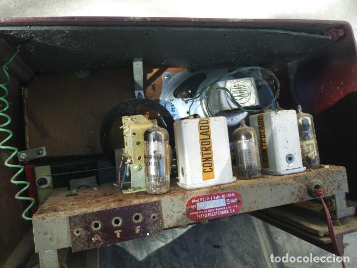 Radios de válvulas: Antigua radio INTER TEXAS modelo P. 239 madera válvulas - Foto 13 - 194099091
