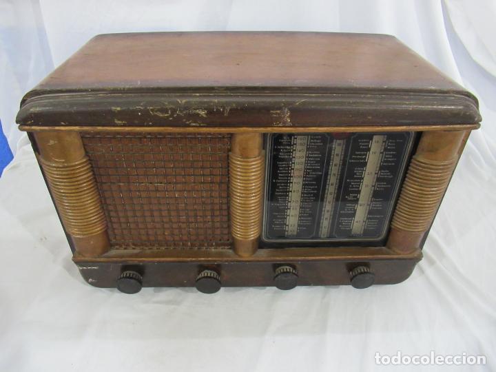 RADIO ANTIGUA 50 X 30 X 25 CM. (Radios, Gramófonos, Grabadoras y Otros - Radios de Válvulas)