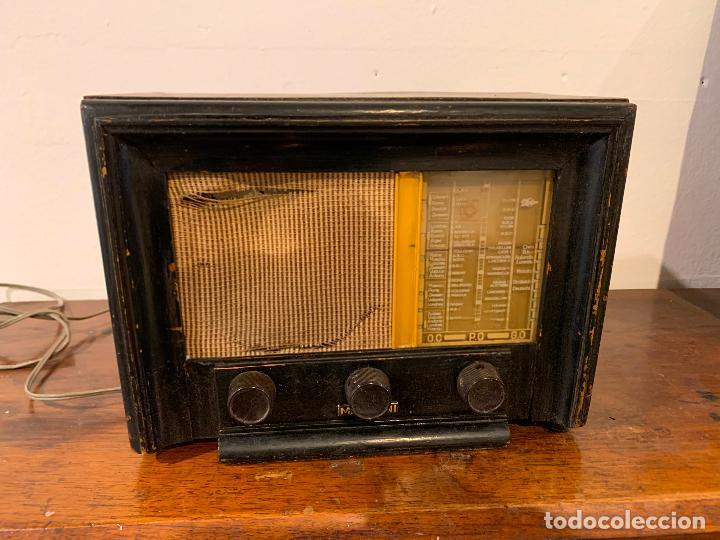 PEQUEÑA RADIO MARCONI (Radios, Gramófonos, Grabadoras y Otros - Radios de Válvulas)