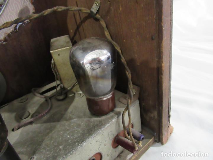 Radios de válvulas: Antigua Radio de Capilla Clarita 42 x 40 x 23 cm. - Foto 13 - 194224262