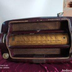 Radios de válvulas: PRECIOSA RADIO ANTIGUA. Lote 194270185