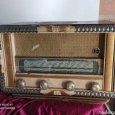 Radios de válvulas: PRECIOSA RADIO ANTIGUA. Lote 194272327