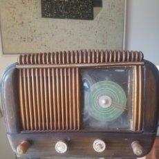 Radios de válvulas: RADIO ANTIGUA MARCA MADRID. Lote 194272663