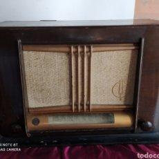 Radios de válvulas: ANTIGUA RADIO DE VÁLVULAS. Lote 194273545