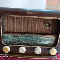 Radios de válvulas: PRECIOSA RADIO ANTIGUA. Lote 194291591
