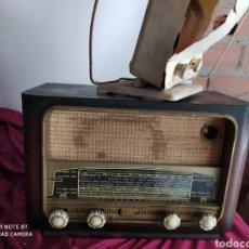 Radios de válvulas: ANTIGUA RADIO ANTIGUA ( ANTENA DE REGALO). Lote 194293445