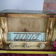 Radios de válvulas: PRECIOSA RADIO ANTIGUA DE VÁLVULAS. Lote 194295062