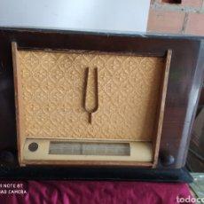 Radios de válvulas: FANTÁSTICA RADIO THOMSON. Lote 194295415