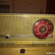 Radios de válvulas: VENTA DE RADIO PHILIPS FUNCIONANDO PERFECTAMENTE LAS TRES BANDAS OM OC Y FM.. Lote 194327985