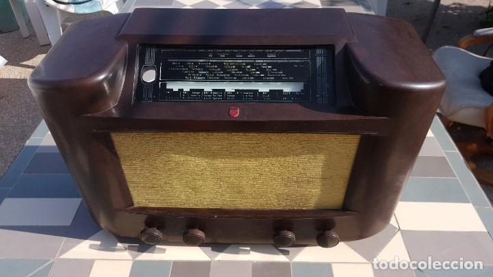 RADIO ANTIGUA DE VALVULAS PHILIPS 170A-15 BAQUELITA - GRANDE (Radios, Gramófonos, Grabadoras y Otros - Radios de Válvulas)