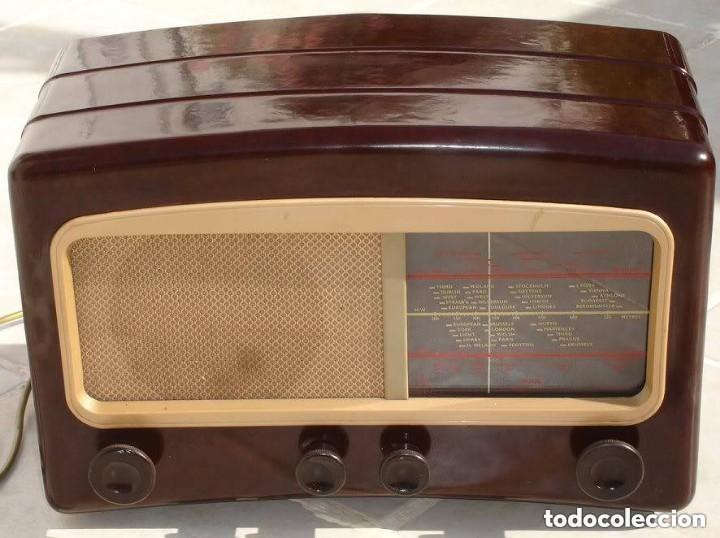 RADIO COSSOR, MELODY MAKER, MODEL 501AG, BAQUELITA. BANDAS CORTA, LARGA Y MEDIA (Radios, Gramófonos, Grabadoras y Otros - Radios de Válvulas)