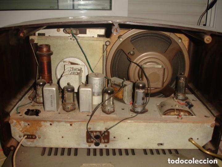 Radios de válvulas: RADIO COSSOR, MELODY MAKER, MODEL 501AG, BAQUELITA. BANDAS CORTA, LARGA Y MEDIA - Foto 3 - 194351411