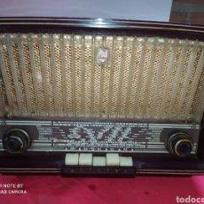 Radios de válvulas: RADIO ANTIGUA PHILIPS, FUNCIONANDO. Lote 194371010