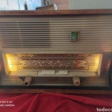Radios de válvulas: INCREÍBLE RADIO ANTIGUA. Lote 194371948