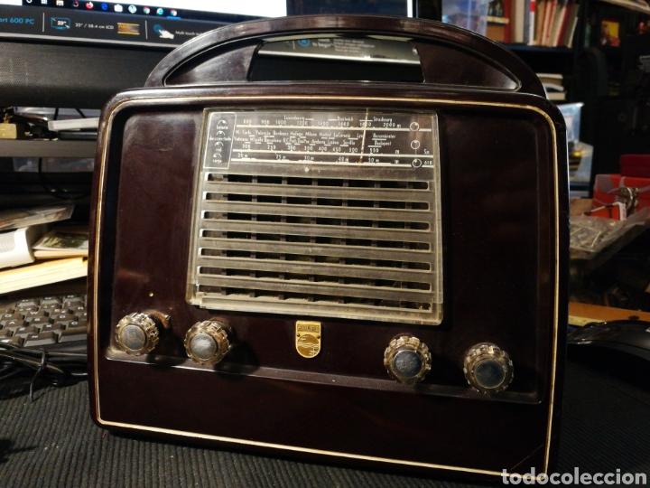 RADIO PHILLIPS DE BAQUELITA. MUY BUEN ESTADO SIN ROTURAS NI ARAÑAZOS. FUNCIONANDO (Radios, Gramófonos, Grabadoras y Otros - Radios de Válvulas)