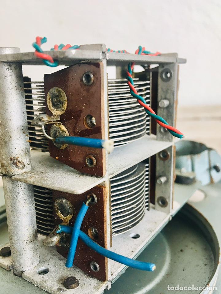 Radios de válvulas: RADIO ANTIGUA CON DIAL DE CRISTAL RECEPTOR INTERNACIONAL DE FRECUENCIA APARATO RADIODIFUSION - Foto 10 - 194695343