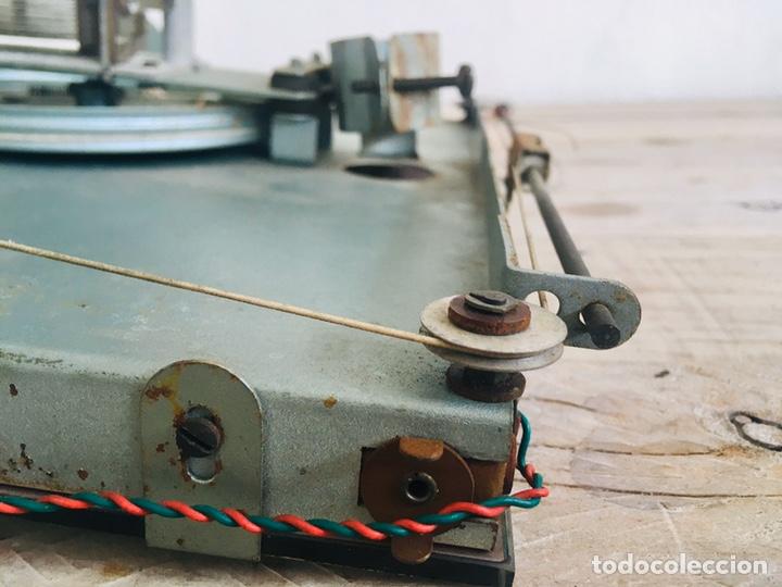 Radios de válvulas: RADIO ANTIGUA CON DIAL DE CRISTAL RECEPTOR INTERNACIONAL DE FRECUENCIA APARATO RADIODIFUSION - Foto 11 - 194695343