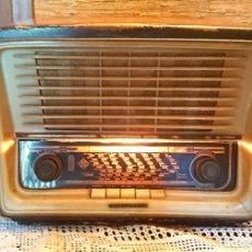 Radios de válvulas: ANTIGUA RADIO TELEFUNKEN DE 1958 · MODELO CAMPANELA 58-3D U1736D. Lote 194992972