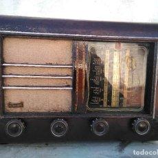 Radios de válvulas: ANTIGUA RADIO DE VALVULAS FUNCIONANDO AUNQUE NECESITA AJUSTES. Lote 195121752