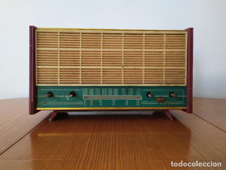 RADIO ANTIGUA A VALVULAS (Radios, Gramófonos, Grabadoras y Otros - Radios de Válvulas)