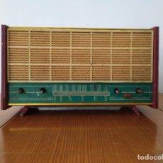 Radios de válvulas: RADIO ANTIGUA A VALVULAS. Lote 195197226