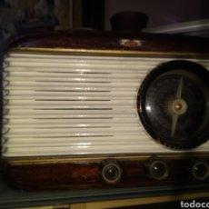 Radios de válvulas: RADIO ANTIGUA. Lote 195155363