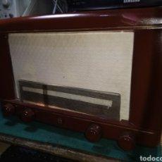 Radios de válvulas: RADIO ANTIGUA PHILIPS. Lote 195210982