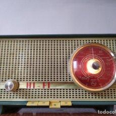 Radios de válvulas: RADIO PHILIPS FUNCIONA. Lote 195235910