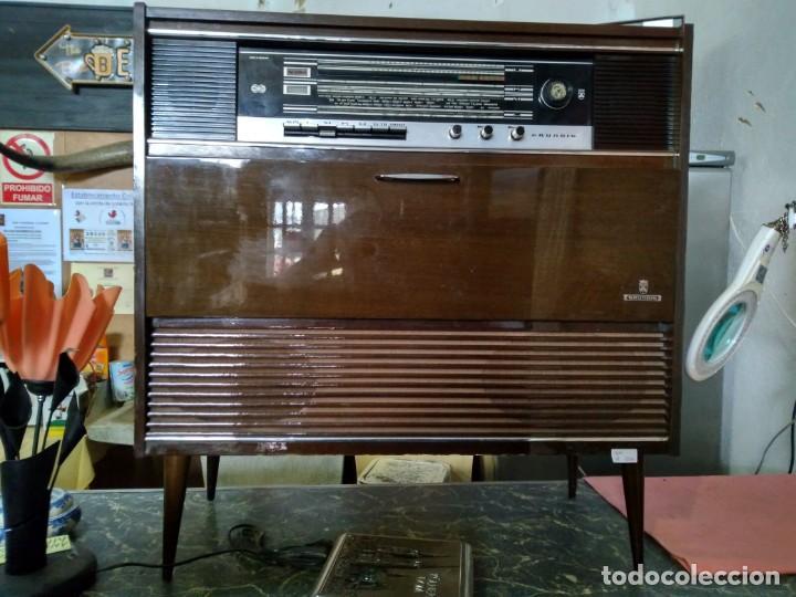 RADIO Y TOCADISCOS GRUNDING (Radios, Gramófonos, Grabadoras y Otros - Radios de Válvulas)
