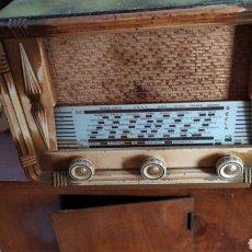Radios de válvulas: ANTIGUA Y PEQUEÑA RADIO DE VÁLVULAS. Lote 195383357