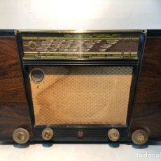 Radios de válvulas: RADIO PHILIPS ANTIGUA DE BAQUELITA, MODELO SIRIUS, BD 400 A-08. AÑO 1950.. Lote 195404476