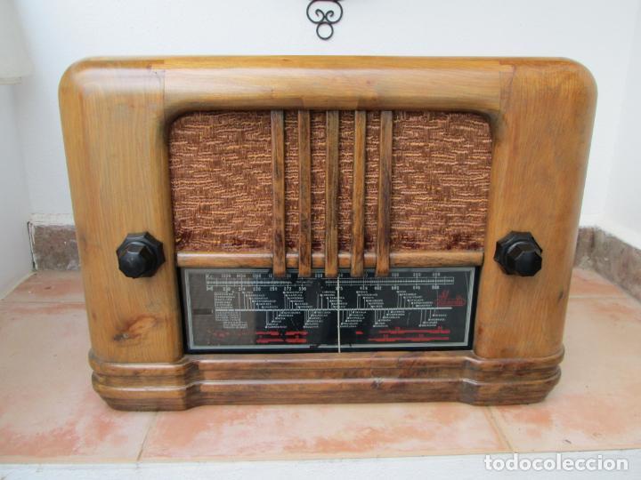 ANTIGUA RADIO A VÁLVULAS IBERIA, MODELO 4234. (Radios, Gramófonos, Grabadoras y Otros - Radios de Válvulas)