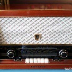 Radios de válvulas: ESTUPENDA RADIO PHILIPS MULTIBANDA TYP BS 461 A (NO ENCIENDE). Lote 195504350