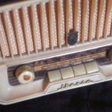Radios de válvulas: ~~~~ ANTIGUA RADIO DE VALVULAS BAQUELITA, BUENA ESTETICA, IBERIA MARCA BARCELONESA MOD Q 1524. ~~~~. Lote 195628855