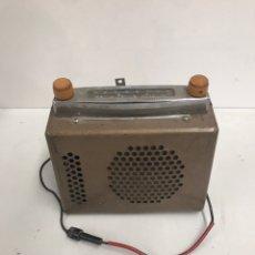 Radios de válvulas: ANTIGUA RADIO RADIALVA. Lote 196017136