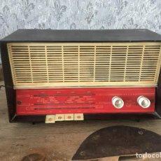 Radios de válvulas: RADIO PHILIPS MOD B3/E. 1963 ESPAÑA.NO ENCIENDE. Lote 196384301